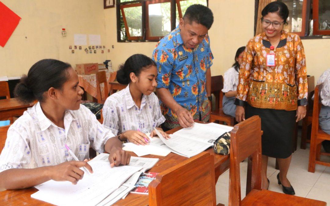 Kunjungan Kepala Dinas Pendidikan, Perpustakaan dan Arsip Daerah Di SMA Gabungan Jayapura