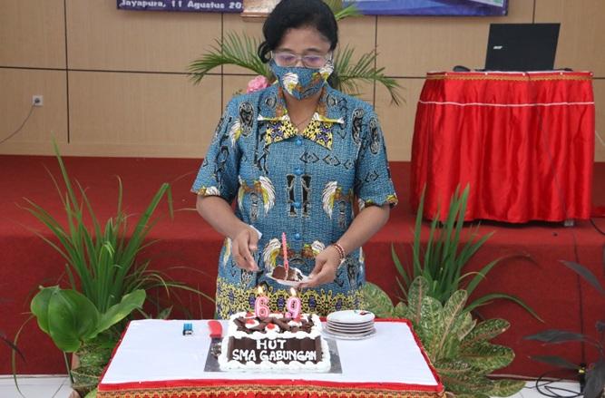Perayaan HUT SMA Gabungan ke-69,  Sekaligus Serah Terima tugas dan tanggung jawab para Wakil Kepala Sekolah dan Launching Sistim Informasi Manajemen Sekolah (SIMAS)